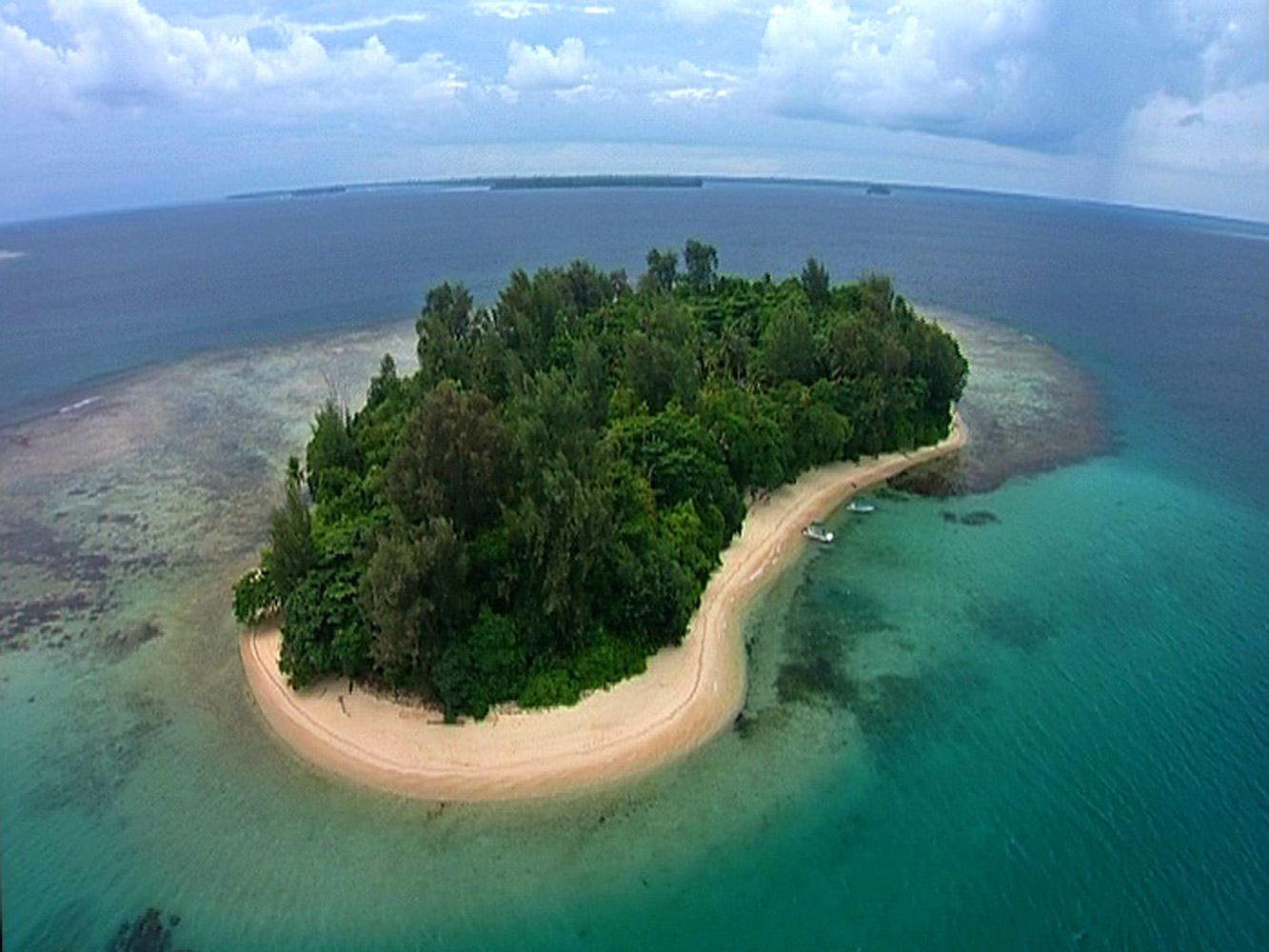 Papua New Guinea Lissenung Island Resort