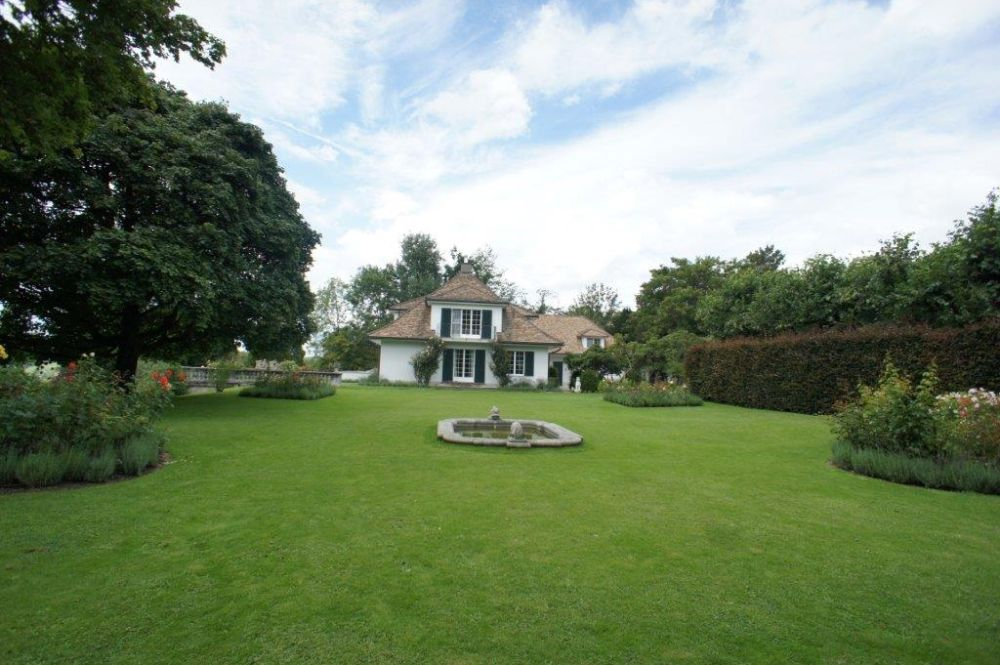 private islands for sale villa alpg tli switzerland europe atlantic. Black Bedroom Furniture Sets. Home Design Ideas