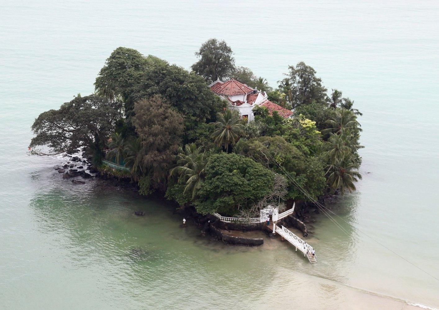 The Tiny House Company Private Islands For Rent Taprobane Island Sri Lanka