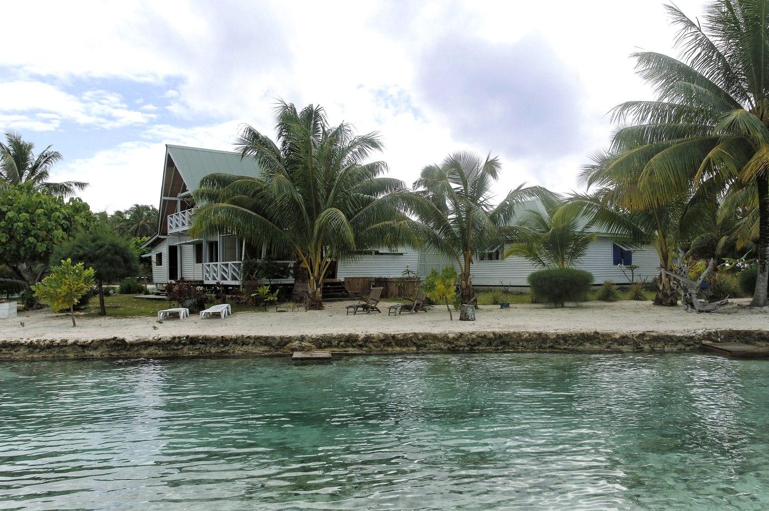 Private islands for sale villa on motu porou french for French polynesia islands for sale