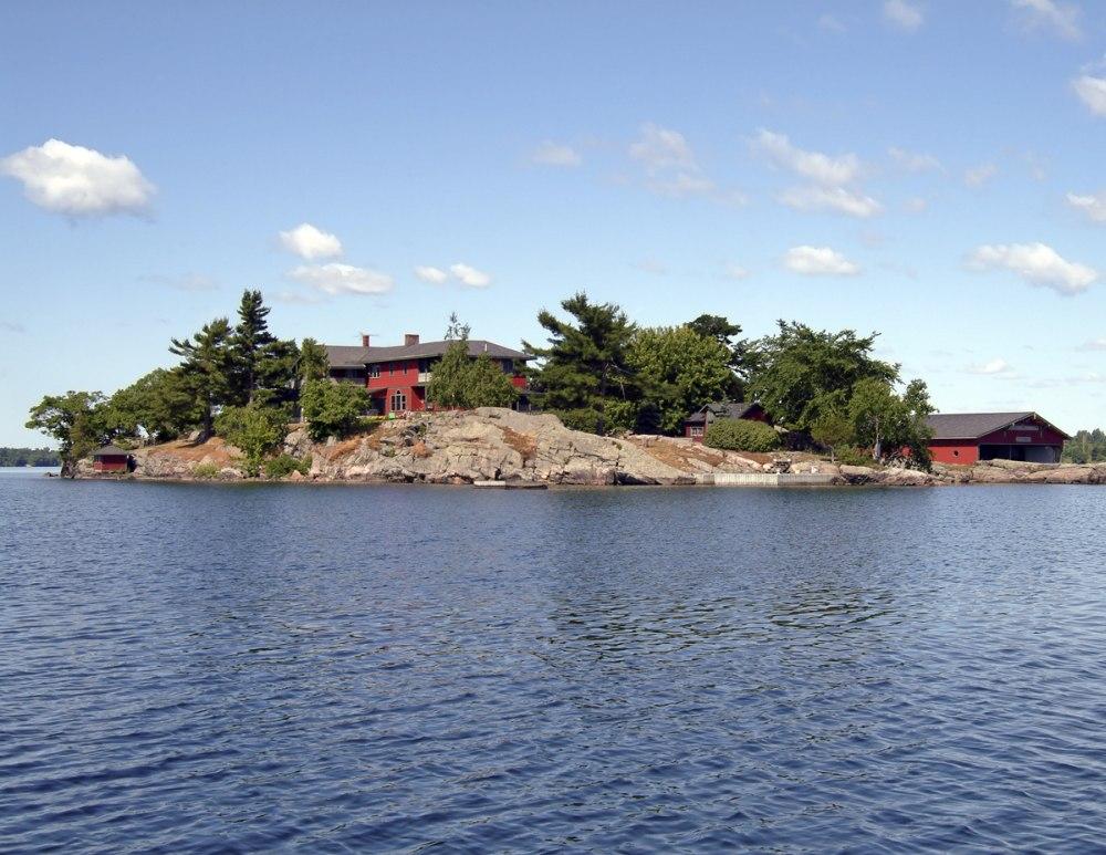 Whiskey Island Lodge New York